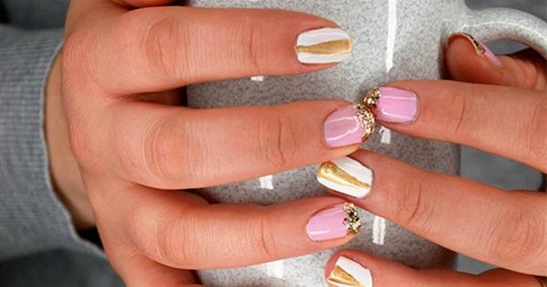 Blush And Gold Geometric Glitter Nails Postris