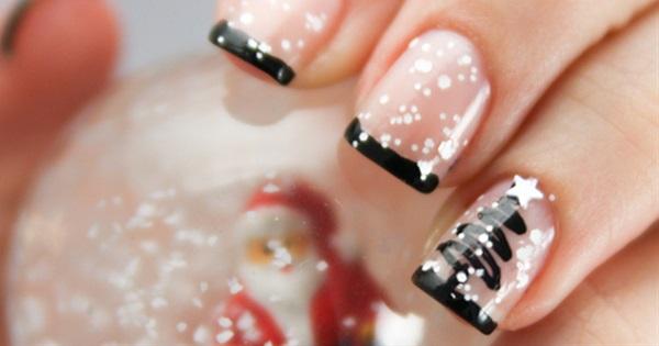 Christmas Nails Designs.15 Stunning Christmas Nail Designs Postris