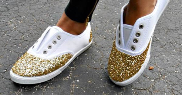 10 Beautiful & Sparkly Things You Can Make With Glitter