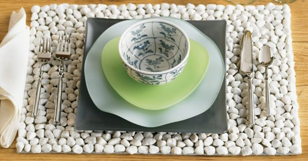 12 Easy and Creative Decoration Ideas With River Rocks