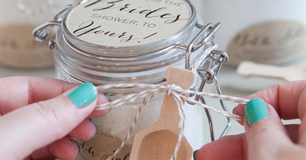 10 Diy Wedding Favors Your Guests Will Love And Use Postris