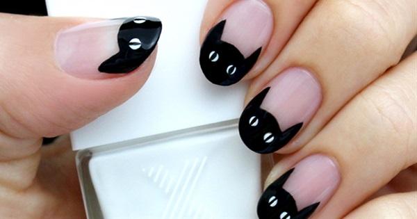 15 spooky and creative halloween nail art design ideas postris 15 spooky and creative halloween nail art design ideas solutioingenieria Image collections