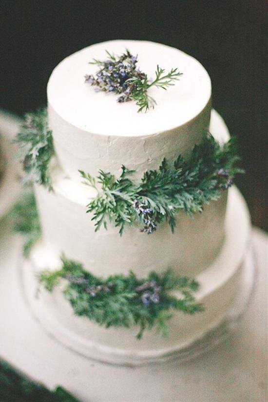 15 Gorgeous Winter Wedding Cakes